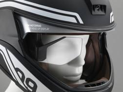 Il casco head-up display di Bmw, frutto del lavoro di ricerca di Designworks
