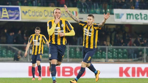 Pazzini, 31 anni, esulta per il suo gol.  Ansa