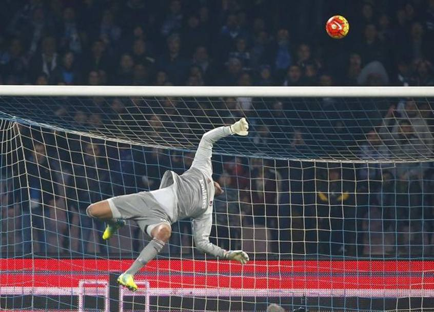Donnarumma in volo (Reuters)