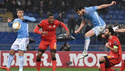 Su corner, Parolo segna di testa l'-0 di Lazio-Galatasaray  (Ansa)