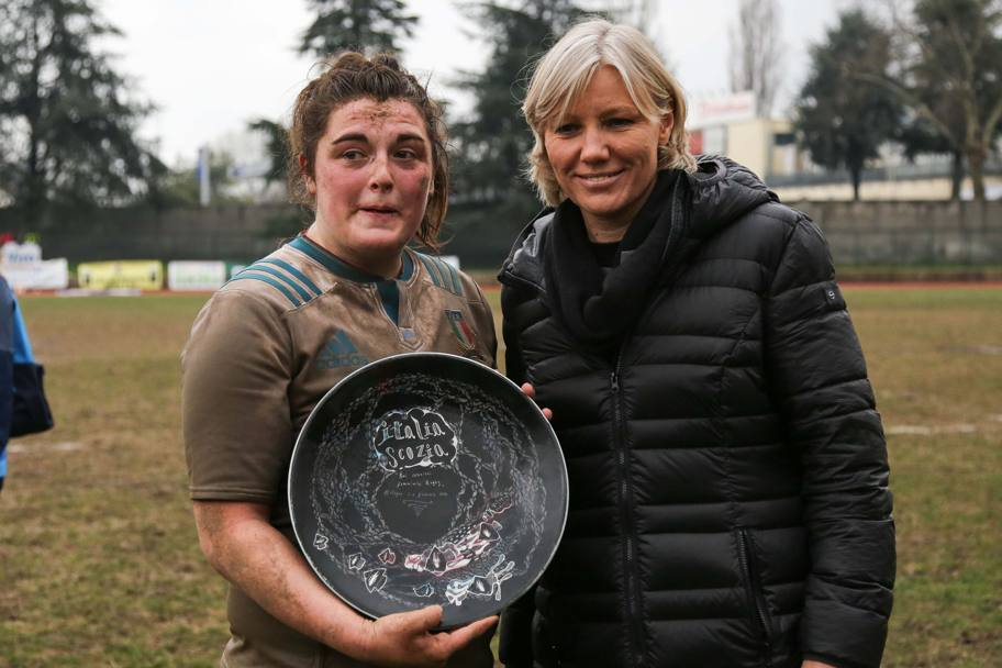 Melissa Bottoni, woman of the match con Josefa Idem. IPP