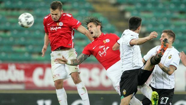 Gol di Puscas, attaccante Bari. LaPresse