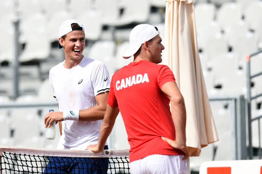 Vasek Pospisil (sin) and Frank Dancevic (des)
