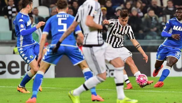 Il gol partita di Paulo Dybala. Afp