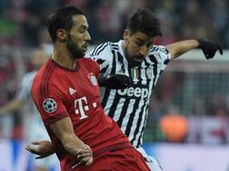 Medhi Benatia e Sami Khedira nella sfida tra Juve e Bayern di Champions: saranno compagni? Afp