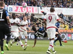 Il gol in rovesciata di Pinilla. Ansa