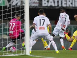 Sergio Pellissier segna il gol vittoria. LaPresse