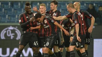 L'esultanza del Milan sul gol di Bacca. Ansa