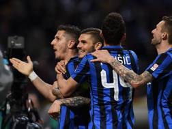 L'esultanza dell'Inter dopo il 2-1 di Jovetic. Getty