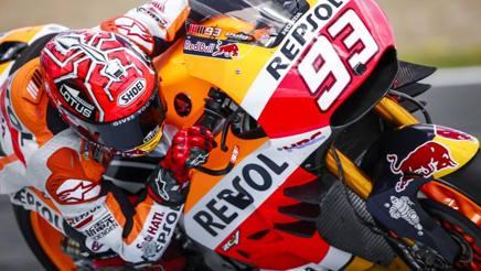 Marc Marquez con le nuove alette anteriori a tre profili nei test di Jerez