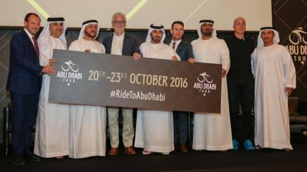 Brian Cookson, presidente dell'Uci, e Mark Cavendish ad Abu Dhabi