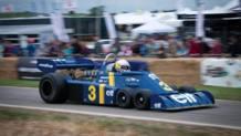 Jody Scheckter sulla Tyrrell P34 a sei ruote con cui vinse il GP Svezia del 1976