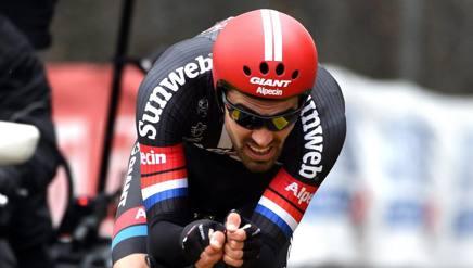 Tom Dumoulin al cronoprologo del Giro di Romandia. Bettini