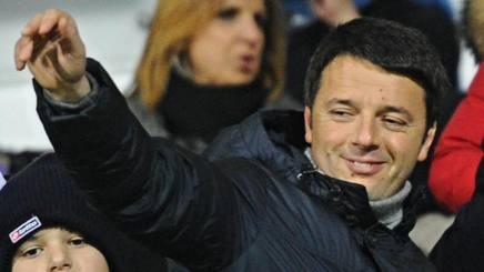 Matteo Renzi, 41 anni, presidente del Consiglio italiano, allo stadio Franchi di Firenze. Ansa