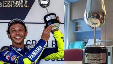 Il trofeo di Jerez, dalle mani di Vale all'Ospedale di Parma.
