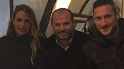 Ilary Blasi, 35 anni, e Francesco Totti, 39. Forzaroma.info