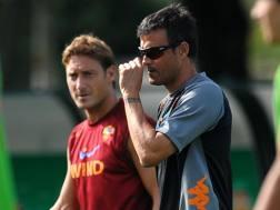 Da sin. Francesco Totti, 39 anni, e Luis Enrique, 45, insieme alla Roma nella stagione 2011-12. Ansa
