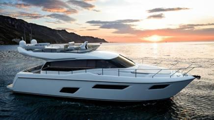 Ferretti Yacht 450