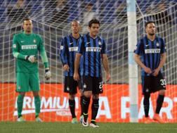 La delusione dei giocatori dell'Inter dopo la sconfitta con la Lazio. Getty Images