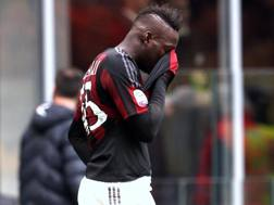 Mario Balotelli, 25 anni, rammaricato dopo il rigore sbagliato. Forte
