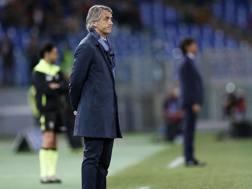 La delusione sul volto di Mancini durante Lazio-Inter 2-0. Ansa