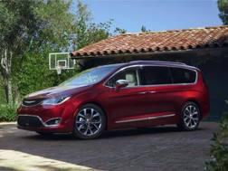 La minivan Pacifica a marchio Chrysler