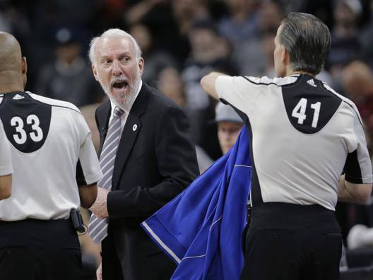 La rabbia di Popovich alla fine di Spurs-Okc. Ap