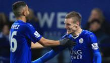 L'abbraccio tra Vardy e Mahrez: sono i due pezzi pregiati del Leicester, e piacciono alle grandi d'Europa. LaPresse
