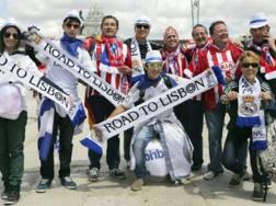 Tifosi di Real e Atletico Madrid insieme nella finale 2014 a Lisbona