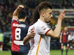 El Shaarawy esulta dopo il gol (da ex) che ha regalato alla Roma la vittoria col Genoa. LaPresse