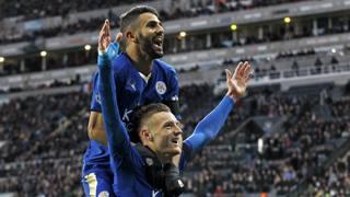 Riyad Mahrez e Jamie Vardy, stelle del Leicester City. Reuters