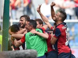 Suso e il Genoa esultano dopo lo 0-3. Ansa