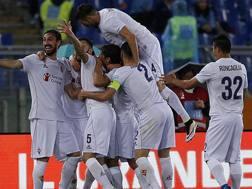 Matias Vecino festeggiato dopo il gol. Ansa