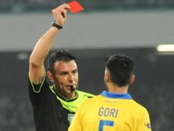 L'espulsione di Mirko Gori, 23 anni, nella gara col Napoli. Ansa