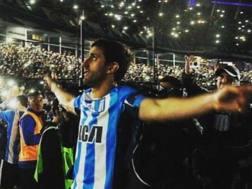Diego Milito, 36 anni, abbraccia virtualmente i tifosi al Cilindro