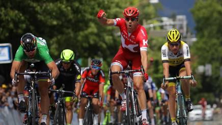 Kristoff batte Sagan in volata a Santa Rosa. Afp