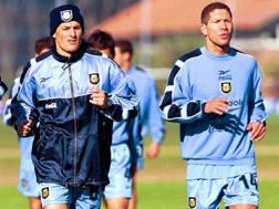 Javier Zanetti, 42 anni, e Diego Pablo Simeone, 46, quando vestivano la maglia dell'Argentina. Reuters