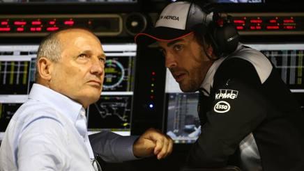 Ron Dennis con Fernando Alonso. LaPresse