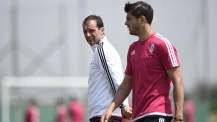 Da sinistra, Massimiliano Allegri, 48 anni, tecnico della Juventus, ed Alvaro Morata, 23, attaccante. LaPresse