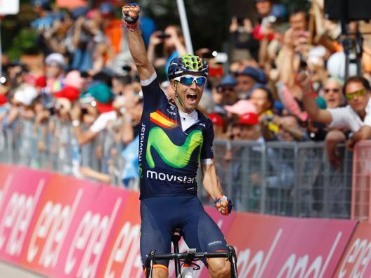 Alejandro Valverde, 36 anni, festeggia ad Andalo la sua prima vittoria al Giro. Afp