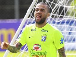 Dani Alves, 33 anni, difensore esterno del Barcellona. LaPresse