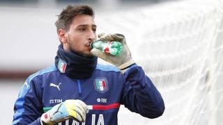 Gianluigi Donnarumma, 17 anni, con la maglia dell'Under 21. LaPresse