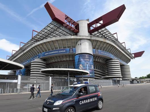 Lo stadio di San Siro � pronto per la finale di Champions. Ansa