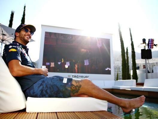 Daniel Ricciardo in una pausa a Montecarlo. Getty