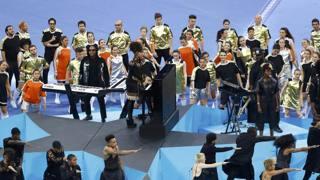 Alicia Keys e Bocelli cantano la finale: spettacolo a San Siro