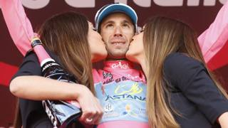 Giro d'Italia, un Nibali tutto rosa