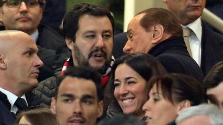 A sinistra, Matteo Salvini, 43 anni, segretario della Lega e tifoso milanista. Ansa
