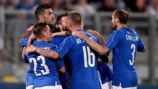 Esultanza azzurra al gol di Pell�. Getty Images