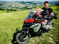 Casey Stoner sulla Ducati Multistrada 1200 Enduro