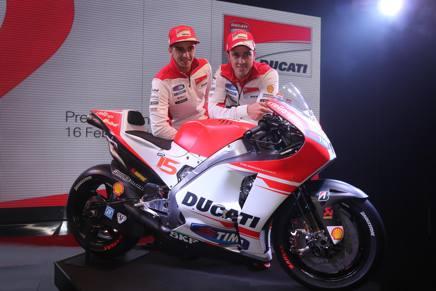 Andrea Dovizioso e Andrea Iannone con la nuova Ducati Desmosedici
